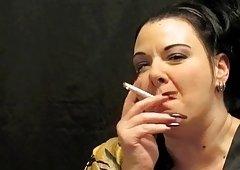 Goddess Destiny Kaine smokes for u