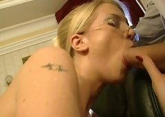 Stacked golden-haired cutie in glasses pleases a duo horny dawgs