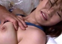 Japanese slut receives her cunt licked while performing a blowjob